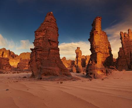 desierto del sahara: Rocas del desierto del Sahara, Tassili N'Ajjer, Argelia Foto de archivo