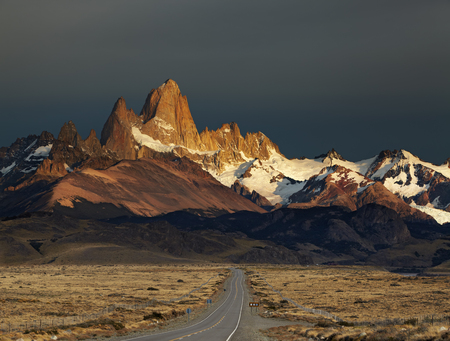 fitz roy: Mount Fitz Roy at sunrise. Los Glaciares National Park, Patagonia, Argentina
