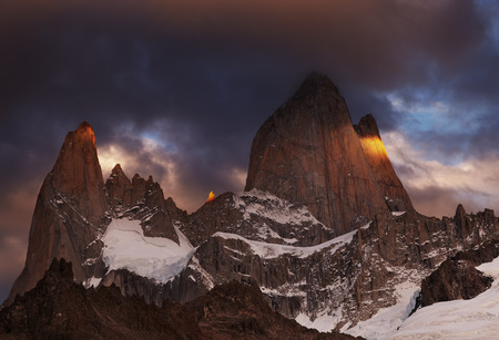 alpenglow: Mount Fitz Roy at sunrise, Patagonia, Argentina Stock Photo