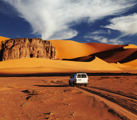 Road in Sahara Desert, Tadrart, Algeria Reklamní fotografie