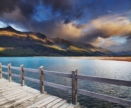 Wakatipu Lake at sunrise, Glenorchy, New Zealand Фото со стока - 76798553
