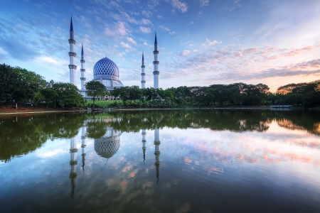 alam: calm morning on the lake blue mosque in Shah Alam
