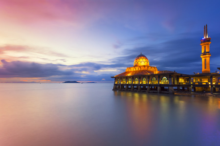 HUSSAIN AL MOSQUE Kuala Perlis on the Floating Mosque