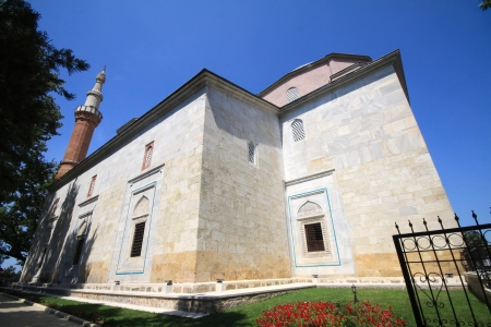 cami: Exterior view of Yesil Cami  Green Mosque  in Bursa, Turkey