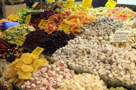 national fruit of china: The spice market in Grand Bazaar, Istanbul  Stock Photo