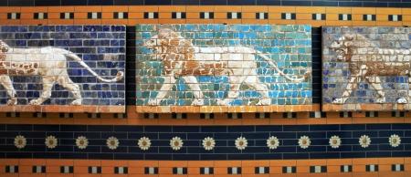 babylonian: Leones en un mosaico de Babilonia en el museo de Estambul, Turqu�a Editorial