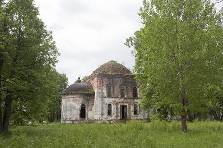 crumbling: Crumbling Church of Resurrection in village Lypky, Verhovazhskogo District, Vologda region, Russia Stock Photo