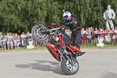 masterly: Alexei Kalinin Moto show in Verkhovazhye, Vologda region, Russia