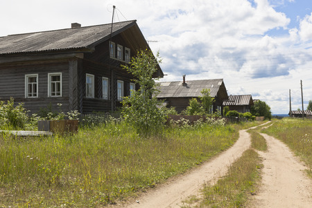 unilateral: Houses in the village street. Forest settlement Undercity Velsky district Arkhangelsk region Russia