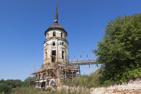 the collapsing: Restoration of Southwest tower Spaso-Sumorin monastery in the town of Totma, Vologda Region, Russia Stock Photo