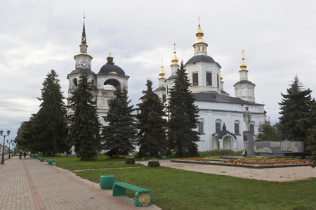 street creed: View of the Cathedral of the Assumption of the Blessed Virgin on the Cathedral Dvorishche in the summer morning in the town of Veliky Ustyug, Vologda region, Russia