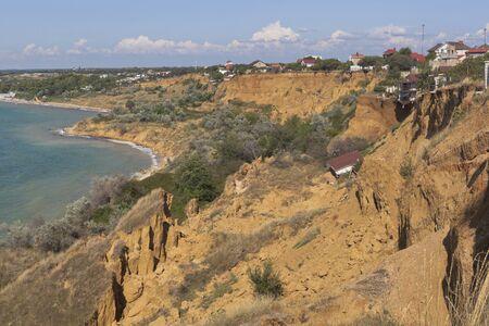 Deslizamiento de tierra Uchkuyevsky cerca de la playa de Tolstyak en la ciudad de Sebastopol, Crimea, Rusia Foto de archivo