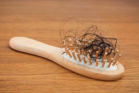 peine: Caído el pelo en el peine