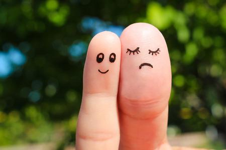 gordos: Arte Dedo de pareja. El concepto del hombre es delgado, la mujer es la grasa.
