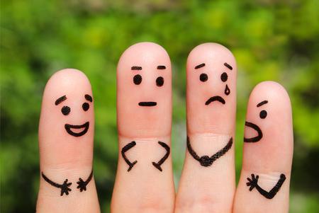 on fingers: Arte Dedo de personas. El concepto de un grupo de personas con diferentes personalidades.