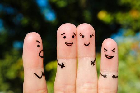 arte del dedo de las personas. El concepto de un hombre regaña de las personas, y se ríen.