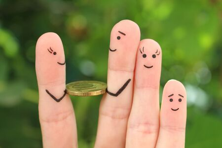 Fingers art of happy family. Man is given money. Banco de Imagens