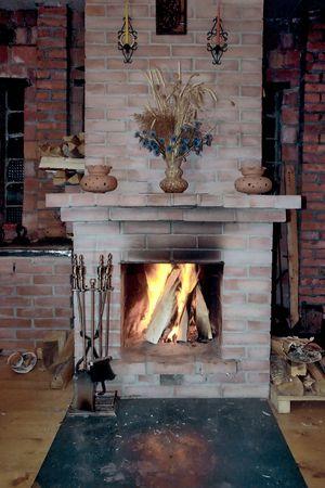 Fireplace construire dans un village maison Banque d'images