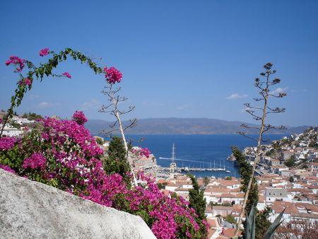 Hydra port et la ville vue depuis la colline