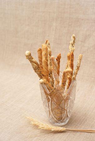 Pain avec des graines dans traquet vase et sur la toile