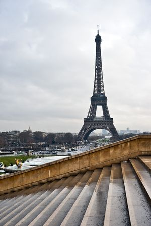 Tour Eiffel view from Chaillot Palace staircase