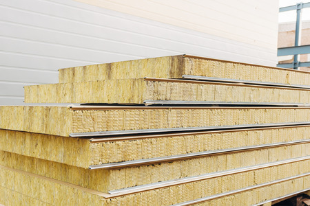 Pack of sandwich panel sustainable insulated ready for wall building. Standard-Bild