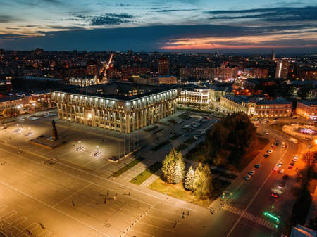 Night summer Tula downtown skyline, Lenin Square. Aerial view from drone. 版權商用圖片
