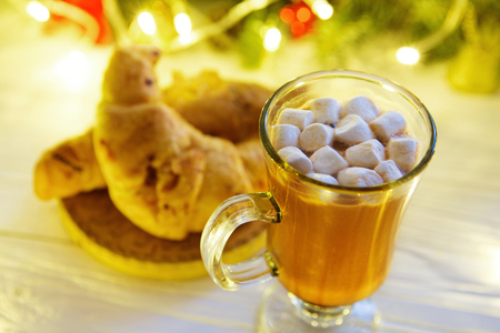 Hot chocolate with marshmallows on a background, top view, close-up. Standard-Bild - 114141384