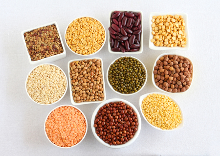 Lentils and legumes of different types, including toor, masoor, dal, moong, urad, kulthi, rajma, chana, lobia, split pigeon pea, split chickpea, kidney beans, black-eyed peas, green gram, horse gram, black gram, which are used in some Indian dishes, are a rich source of vitamins and minerals. Stockfoto