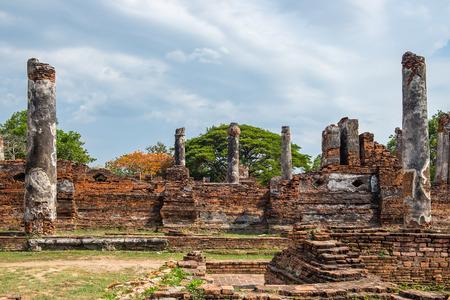 identidad cultural: Temple ancient ruins place of worship famous at ayutthaya, thailand
