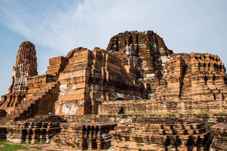 identidad cultural: Temple pagoda ancient ruins invaluable at ayutthaya, thailand