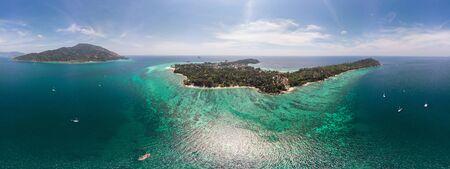 Panorama of beautiful tropical sea with lipe paradise island in summer 版權商用圖片