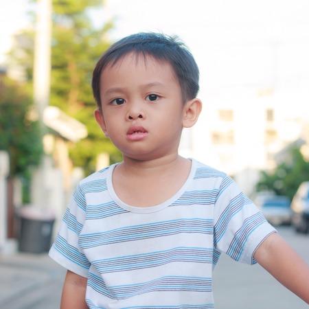 stabilizers: chico asi�tico en la bici