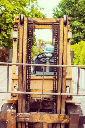 lift truck: Amarillo viejo montacargas popular