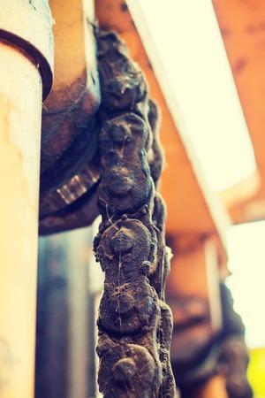 montacargas: Amarillo viejo montacargas popular