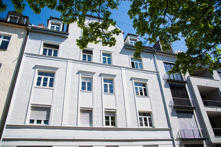 Residential houses in Munich, beautiful residential area, blue sky Banco de Imagens