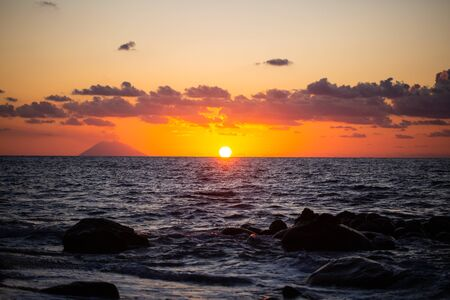 Sunset overlooking the Stromboli from Tropea Archivio Fotografico