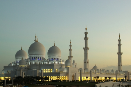 ABU DHABI, UAE - NOV 20, 2010 , Shaikh Zayed Grand Mosque early morning picture
