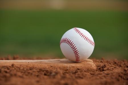 campo de beisbol: Béisbol en el montón Pitchers Close Up con espacio para copiar