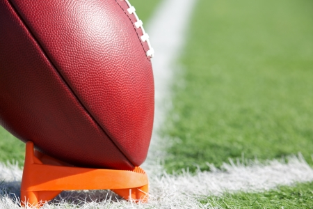 school football: American Football ready for kickoff
