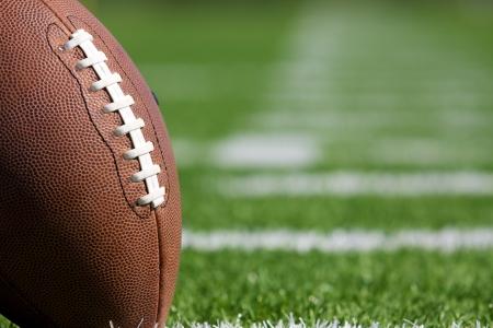 Pro Amerikaanse Voetbal op het Gebied van dichtbij met ruimte voor kopiëren, geschoten op een kleine scherptediepte