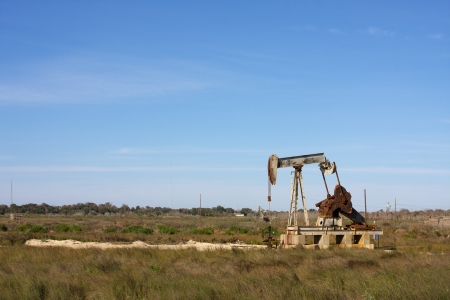 nonrenewable: Oil Pump in the South Texas Countryside