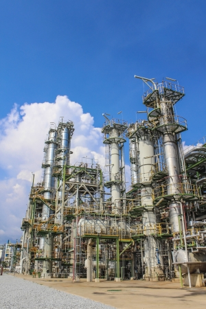 Structure of Oil and chemical factory in day time Stock Photo - 16148460