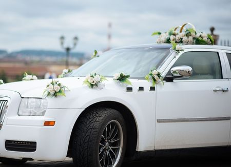 Hochzeit Auto Dekor Blumen Blumenstrauß. Auto Dekoration Blumen Hochzeit