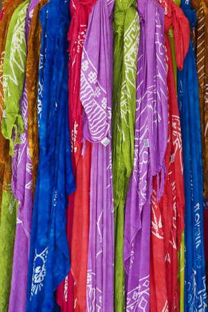 sciarpe: insieme di sciarpe colorate