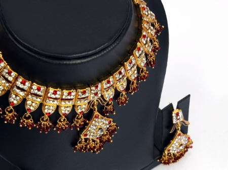 costume jewelry: Indian Traditional Gold Necklace