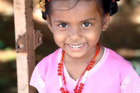 fille indienne: Sourire village indien Little Girl