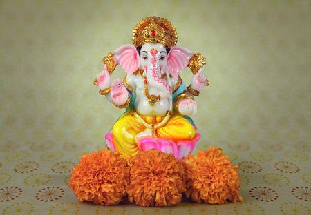 메리 골드 꽃과 힌두교 하나님 코끼리 스톡 콘텐츠 - 91009492