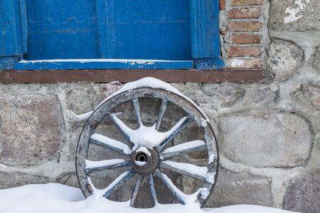 Old horse cart wheel in Erzurum, Turkey Archivio Fotografico