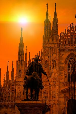 milánó: Duomo di Milano (milánói dóm) és a Piazza del Duomo, a Morning, Milánó, Olaszország